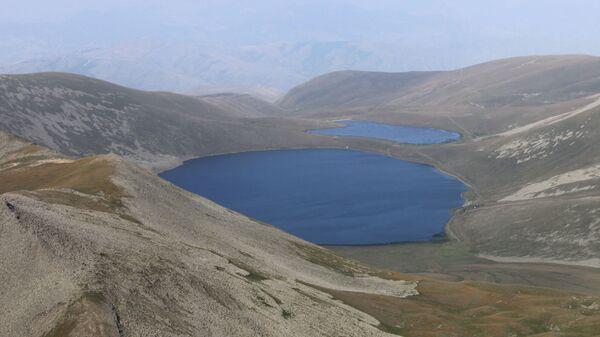 Озеро Сев Лич с вершины Мец Ишханасар - Sputnik Армения