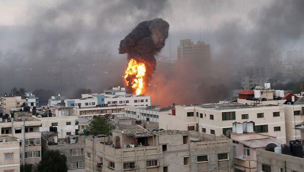 Взрывы от израильских авиаударов в Газе (12 мая 2021). - Sputnik Արմենիա