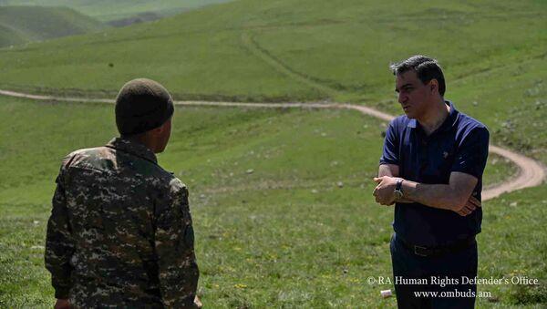 Омбудсмен Армении Арман Татоян посетил Сюникскую область с рабочим визитом (14 мая 2021). Сюник - Sputnik Армения