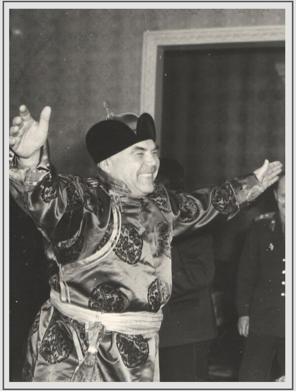 Խորհրդային Միության մարշալ, Խորհրդային Միության կրկնակի հերոս Ռոդիոն Մալինովսկին 1961 թվականին Մոնղոլիա կատարած պաշտոնական այցի ժամանակ - Sputnik Արմենիա