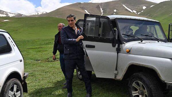 Омбудсмен Арман Татоян посетил с рабочим визитом Гегаркуникскую область (15 мая 2021). Гегаркуник - Sputnik Արմենիա