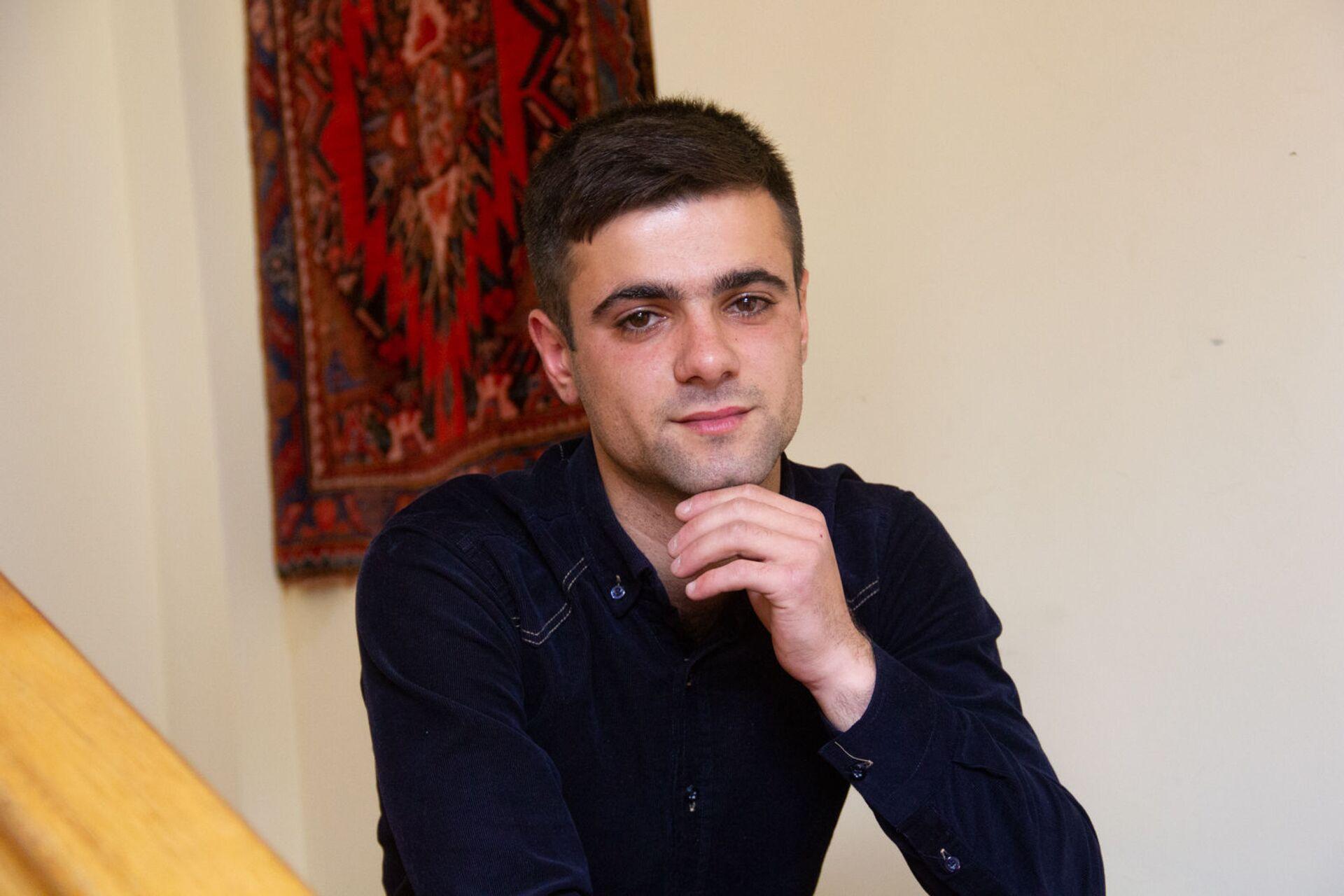 Сделал глубокий вдох и понял, что жив: как Гарик Аветисян спасал в Карабахе раненых - Sputnik Армения, 1920, 19.05.2021
