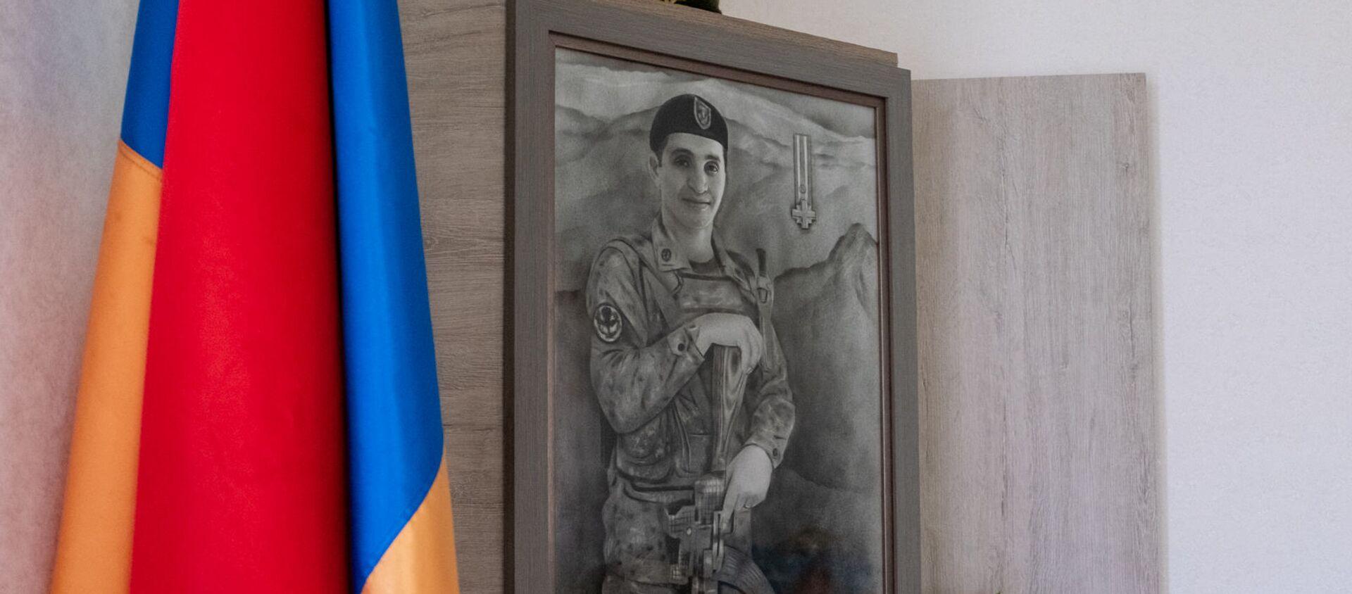 Уголок памяти погибшего капитана Ашота Микаеляна - Sputnik Արմենիա, 1920, 17.05.2021