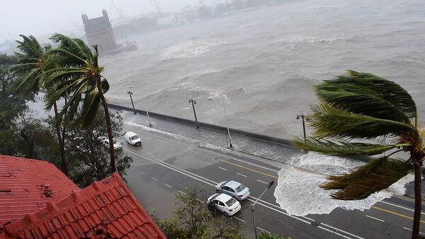 Самый мощный циклон за последние 20 лет, названный Тауктае, обрушивается на берег Мумбаи (17 мая 2021). Индия - Sputnik Армения