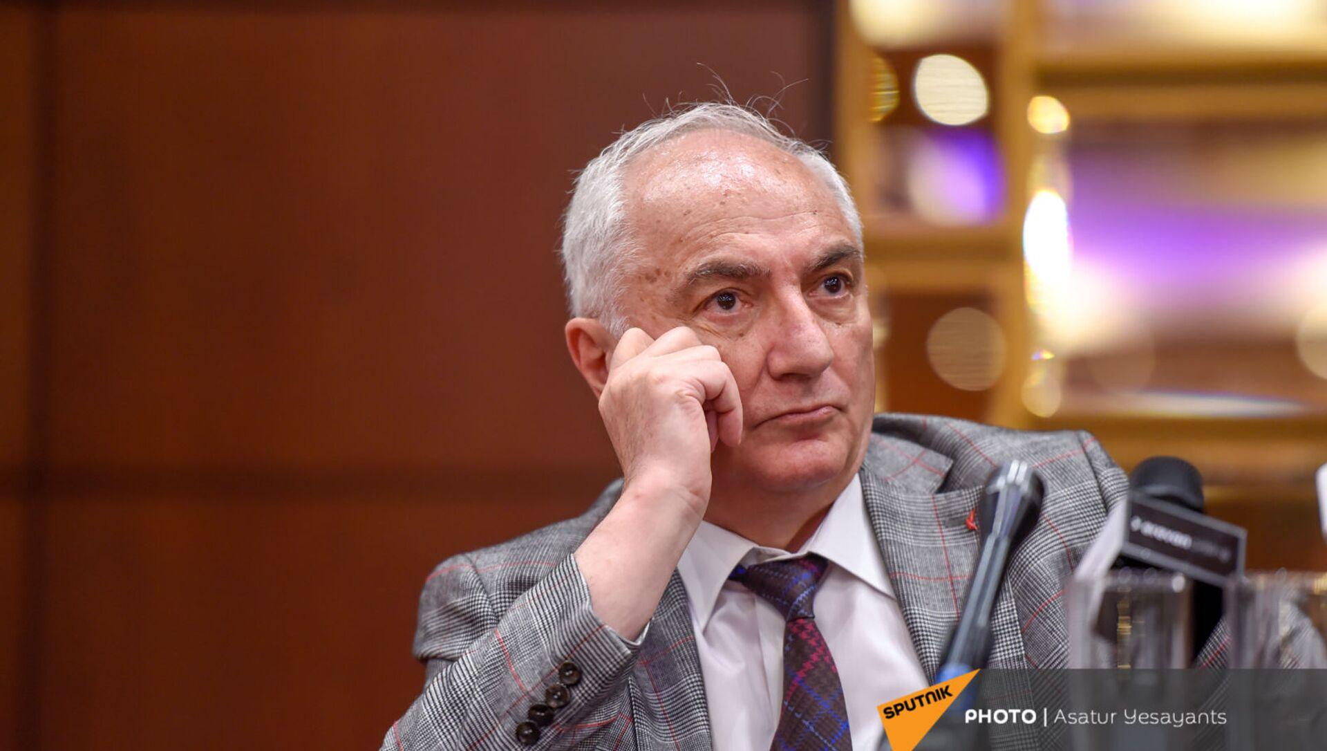 Лидер Армянской демократической партии Арам Саркисян на церемонии подписания меморандума (18 мая 2021). Еревaн  - Sputnik Արմենիա, 1920, 13.08.2021