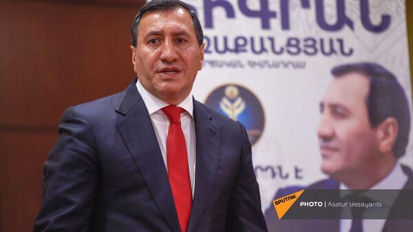Основатель благотворительного фонда Тигран Арзаканцян на церемонии подписания меморандума (18 мая 2021). Еревaн  - Sputnik Армения