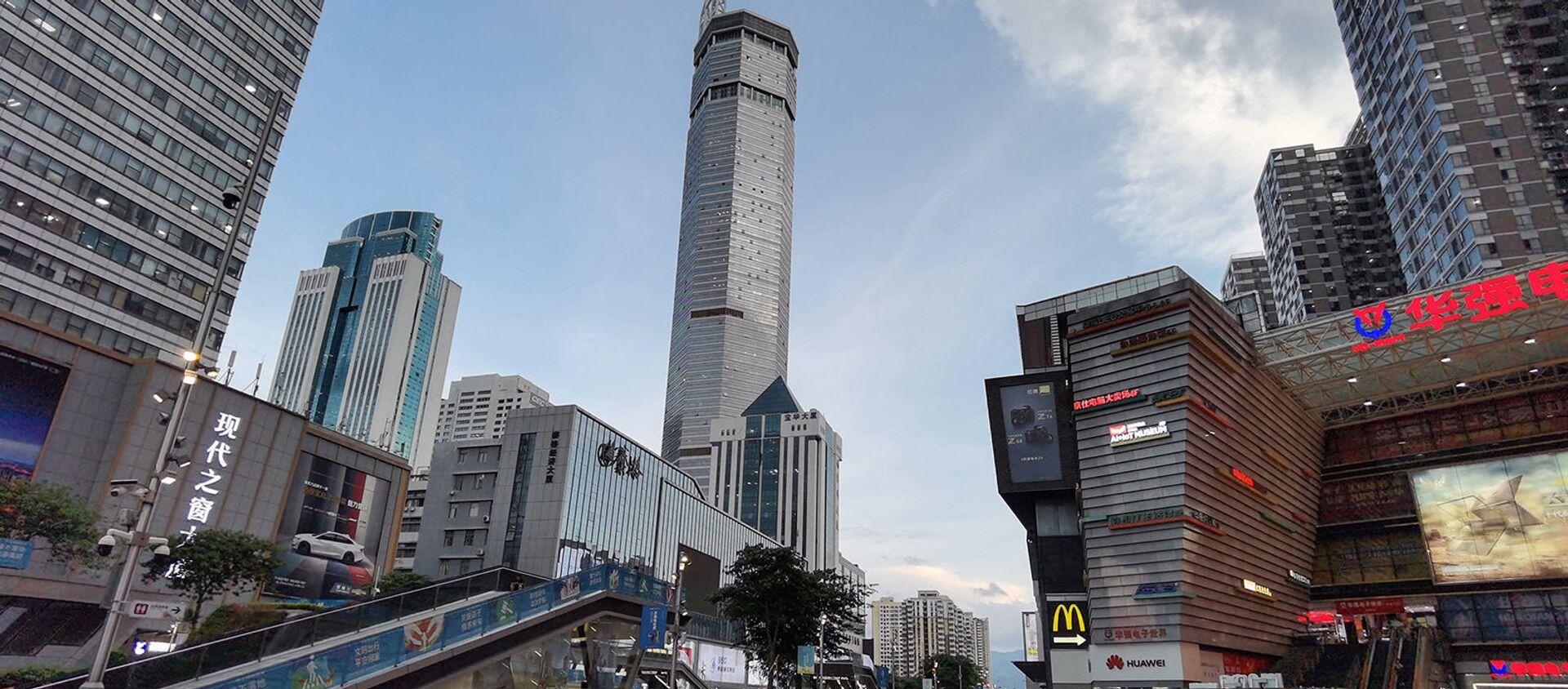 300-метровая площадь SEG Plaza (в центре) в Шэньчжэне, Китай - Sputnik Արմենիա, 1920, 18.05.2021