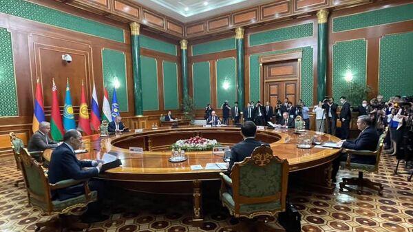 Заседание Совета министров иностранных дел ОДКБ в узком составе (19 мая 2021). Душанбе - Sputnik Армения
