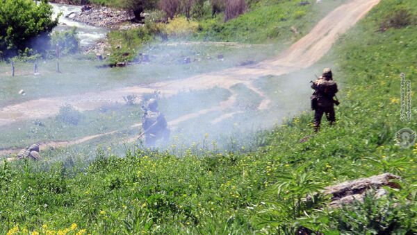 Военные тренировки в одной из воинских частей Армении - Sputnik Армения