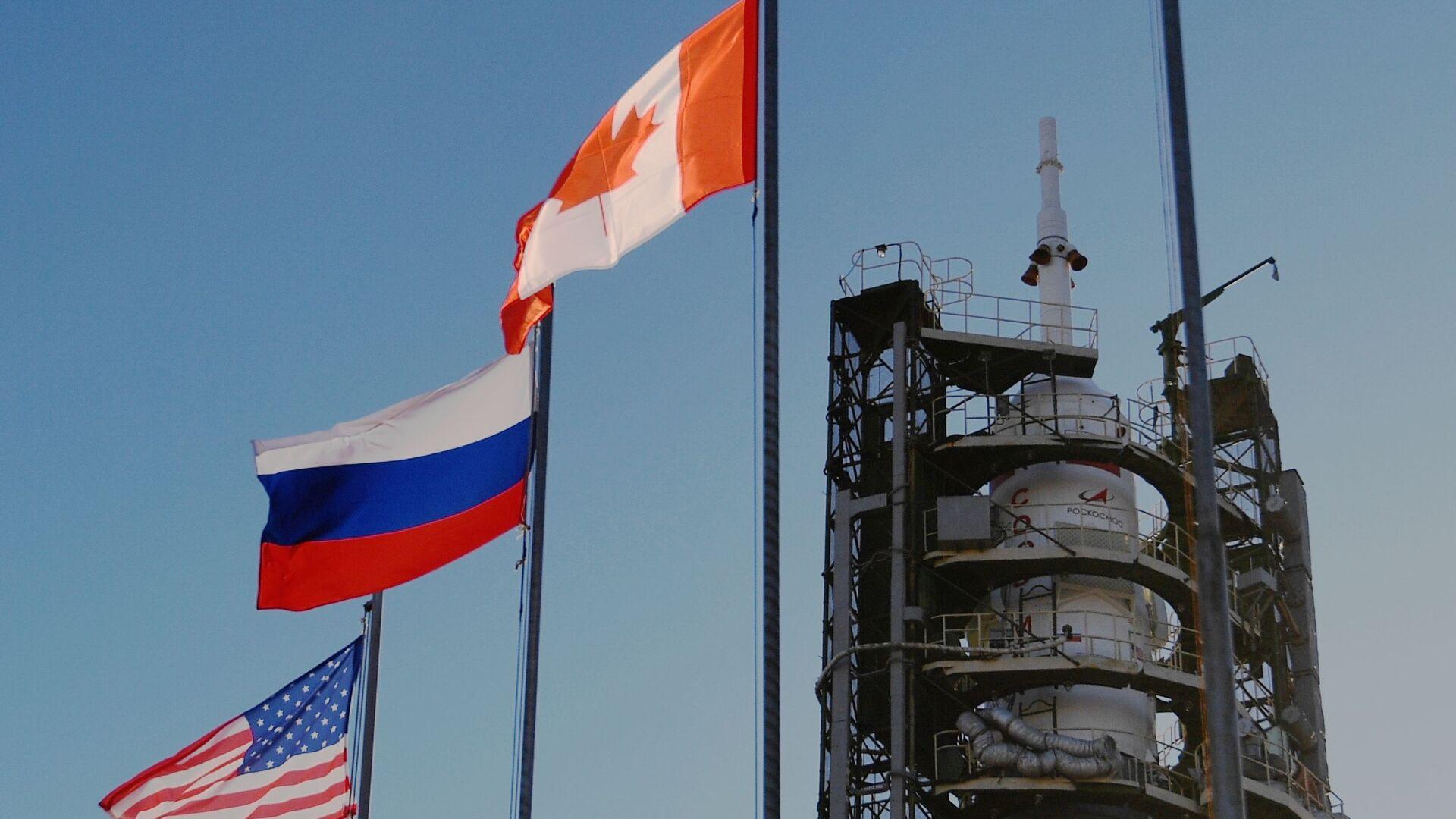 Вывоз ракеты-носителя Союз-ФГ на стартовую площадку космодрома Байконур - Sputnik Армения, 1920, 26.09.2021