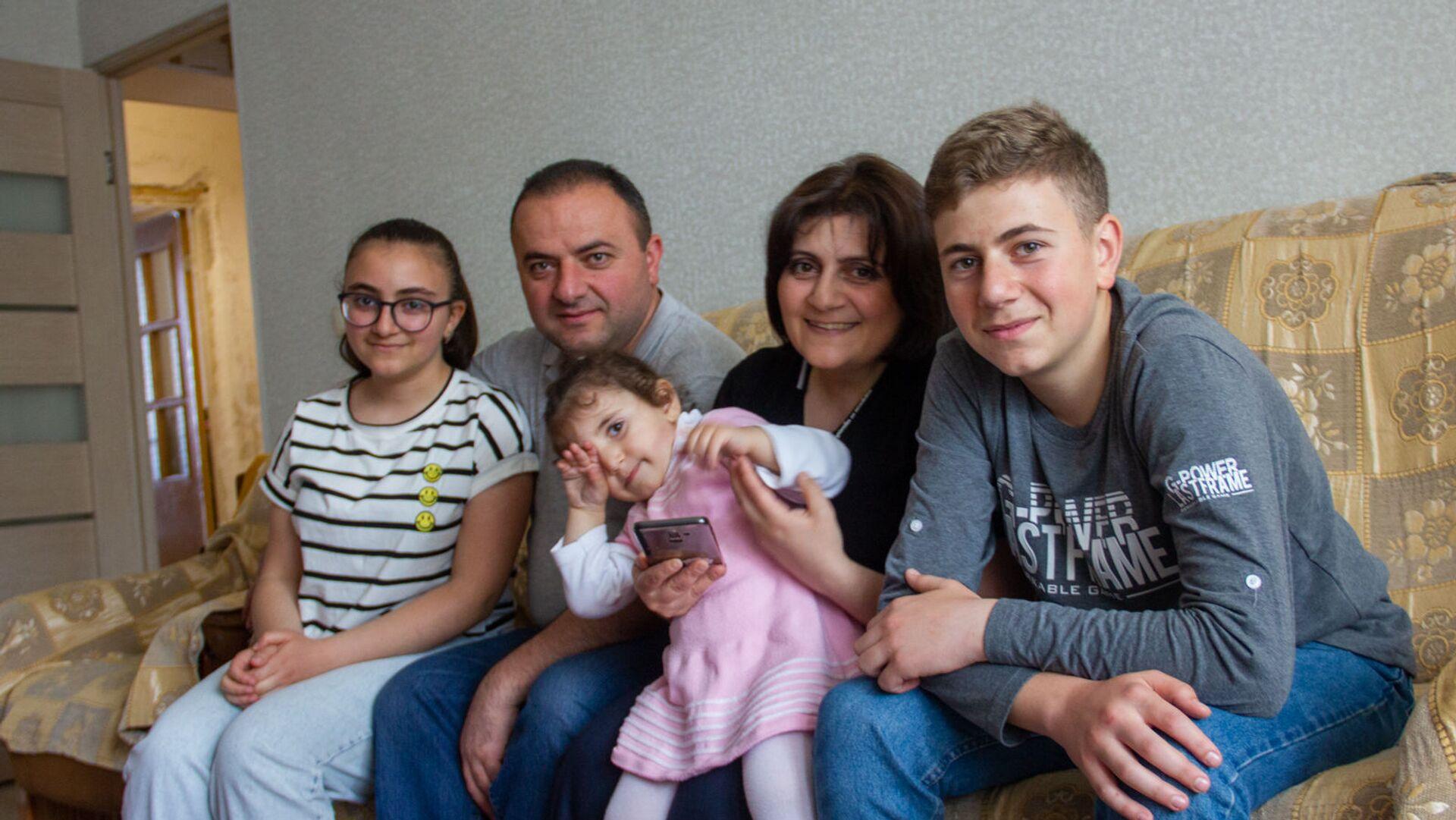 Семья Айка Симоняна - Sputnik Արմենիա, 1920, 23.05.2021