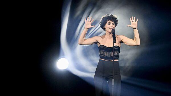 Француженка Барбара Прави исполняет песню Voila во время генеральной репетиции второго полуфинала конкурса Евровидение - Sputnik Армения