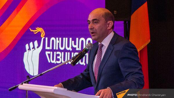 Выступление Эдмона Марукяна во время заседания партии Просвещенная Армения (23 мая 2021). Еревaн - Sputnik Армения