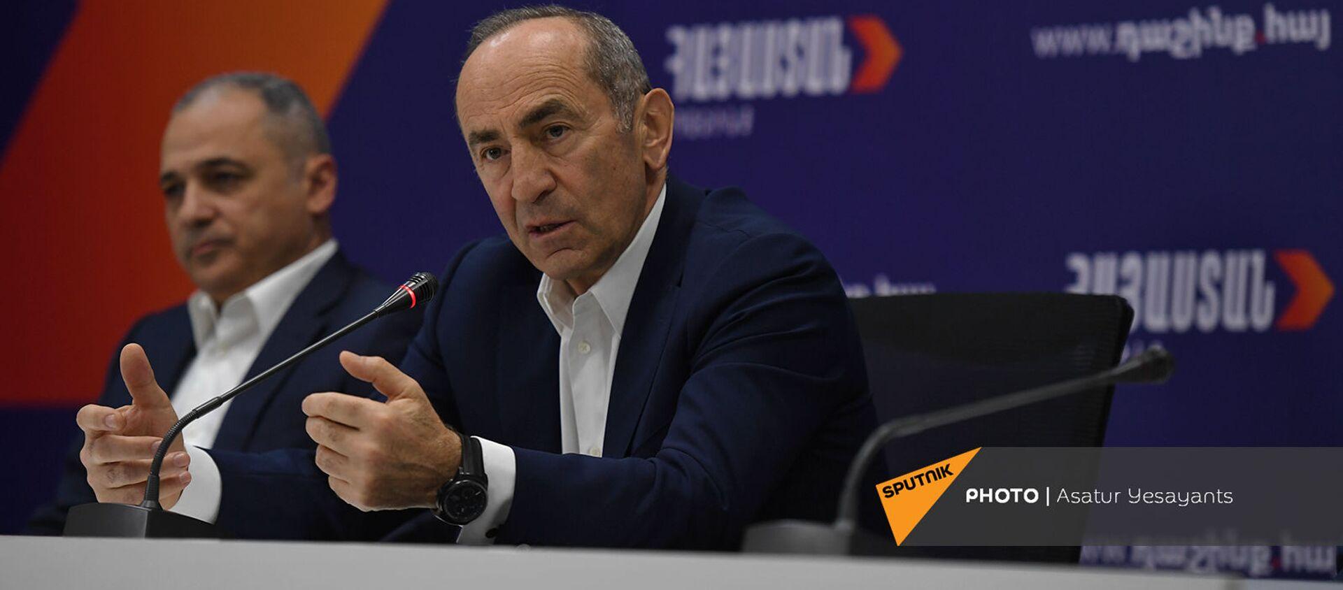 Роберт Кочарян на пресс-конференции лидеров блока Айастан (25 мая 2021). Еревaн - Sputnik Армения, 1920, 06.06.2021