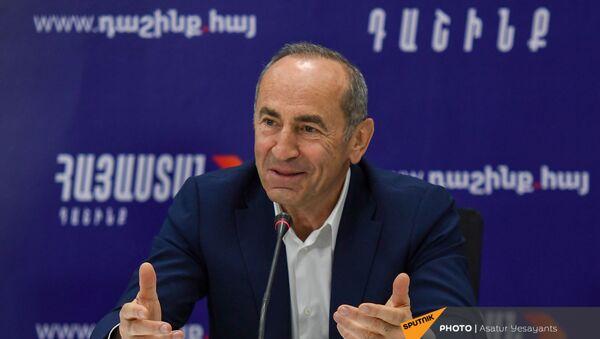 Роберт Кочарян на пресс-конференции лидеров блока Айастан (25 мая 2021). Еревaн - Sputnik Армения