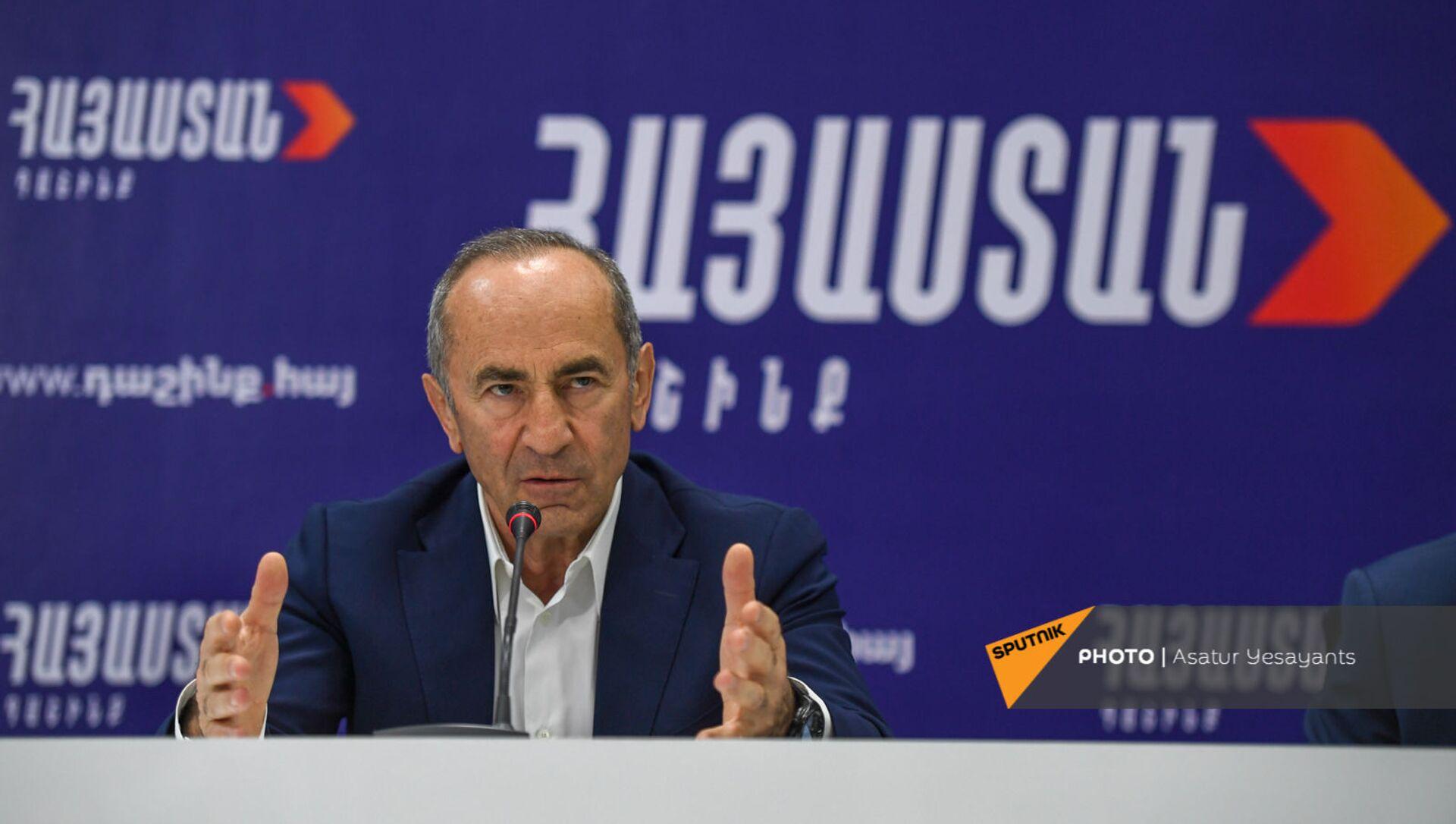 Роберт Кочарян на пресс-конференции лидеров блока Айастан (25 мая 2021). Еревaн - Sputnik Армения, 1920, 25.05.2021