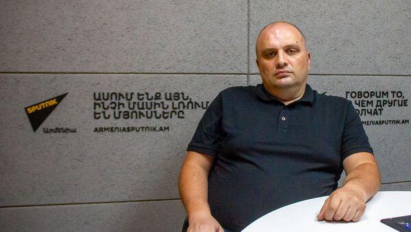 Военный эксперт Мгер Акопян в гостях радио Sputnik - Sputnik Արմենիա