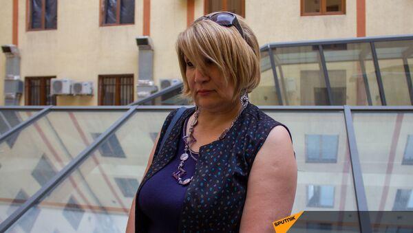 Гюльнара Минасян во время интервью - Sputnik Армения
