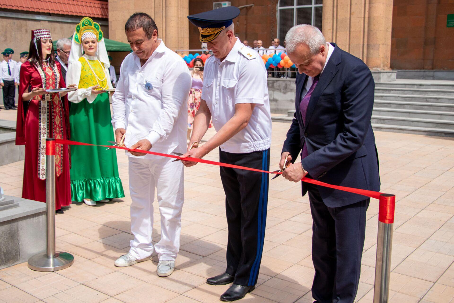Երևանում բացվեց հայ-ռուսական բարեկամության հուշարձան - Sputnik Արմենիա, 1920, 28.05.2021
