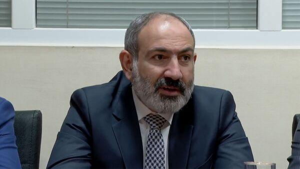 И.о премьер-министра Никол Пашинян в Норк-Марашском офисе Гражданского договора - Sputnik Արմենիա