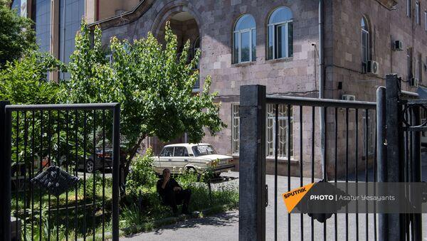 Здание морга на улице Гераци в Ереване - Sputnik Армения