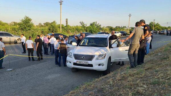Сотрудники правоохранительных органов осматривают место преступления (31 мая 2021). Эчмиадзин - Sputnik Արմենիա