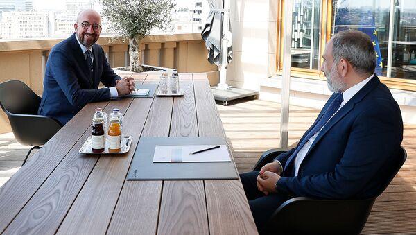 И.о. премьер-министра Никол Пашинян встретился с председателем Европейского совета Шарлем Мишелем (2 июня 2021). Брюссель - Sputnik Արմենիա