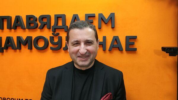 Политический эксперт, публицист, главный редактор немецкого интернет-журнала World Economy Александр Сосновский - Sputnik Армения