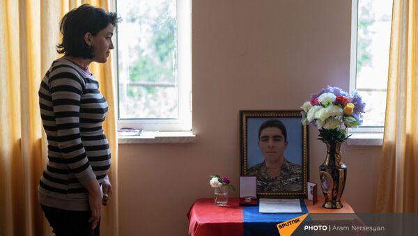 Уголок памяти погибшего военнослужащего Артема Захаряна - Sputnik Армения