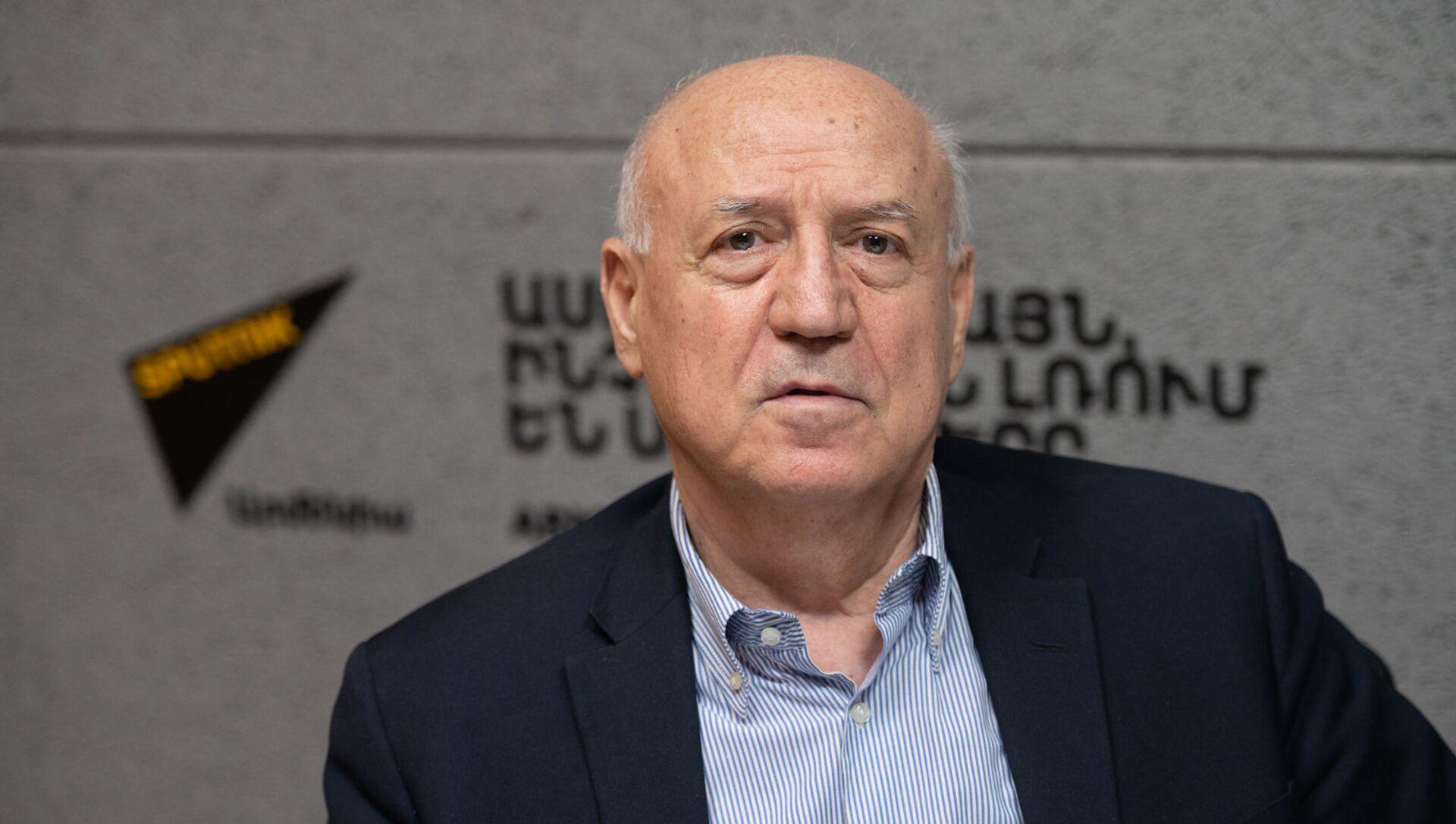 Лидер партии «Национальное Единение» Арташес Гегамян в гостях радио Sputnik Армения - Sputnik Армения, 1920, 07.06.2021