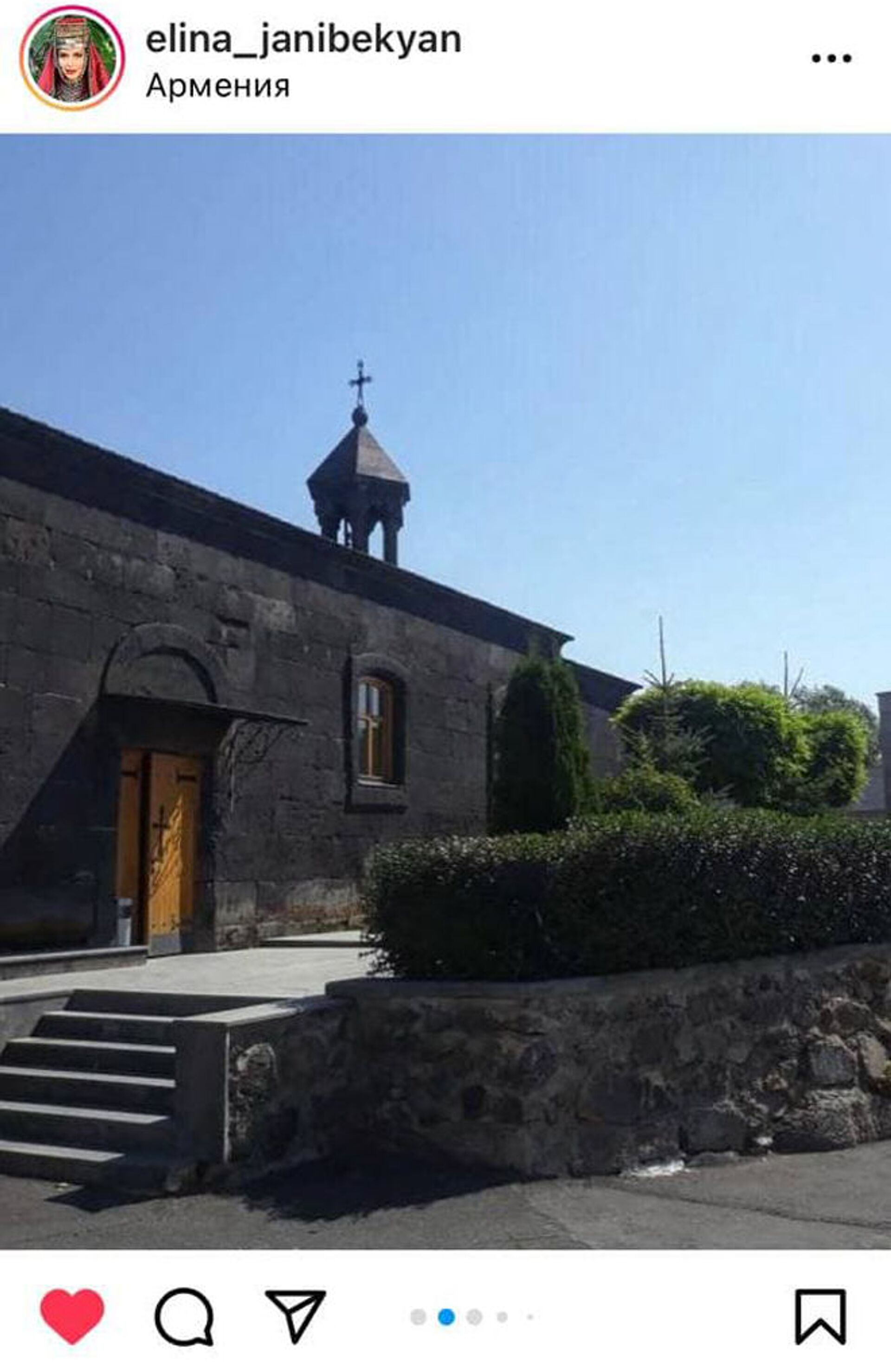 Артур и Элина Джанибекян крестили сына Арега в церкви Св. Акопа Мцбинского в Варденисе - Sputnik Армения, 1920, 06.06.2021