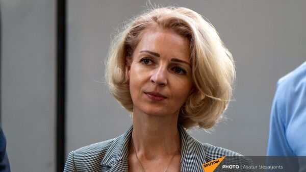 Торговый представитель России в Армении Анна Донченко на церемонии принятия новых пассажирских вагонов (8 июня 2021). Еревaн - Sputnik Армения
