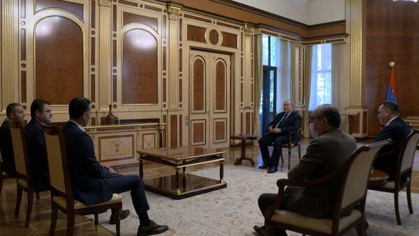 Президент Армен Саркисян на встрече с руководителями в сфере высоких технологий, экономики и исполнительным директором FAST - Sputnik Армения