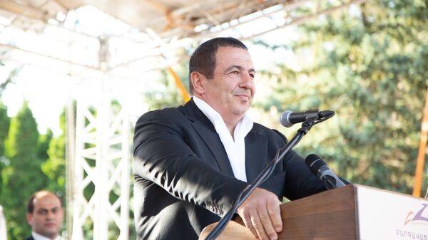 Лидер партии «Процветающая Армения» Гагик Царукян во время предвыборной кампании в Котайкской области - Sputnik Армения