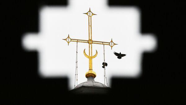 Крест на шатре церкви Вознесения Господня - Sputnik Армения