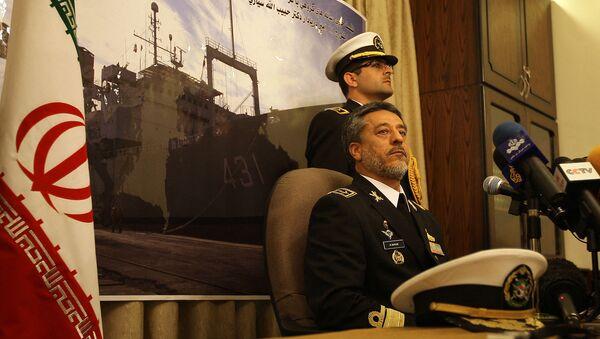 Контр-адмирал Хабиболла Сайяри, командующий иранским военно-морским флотом, проводит пресс-конференцию в посольстве Ирана (28 февраля 2011). Дамаск - Sputnik Армения