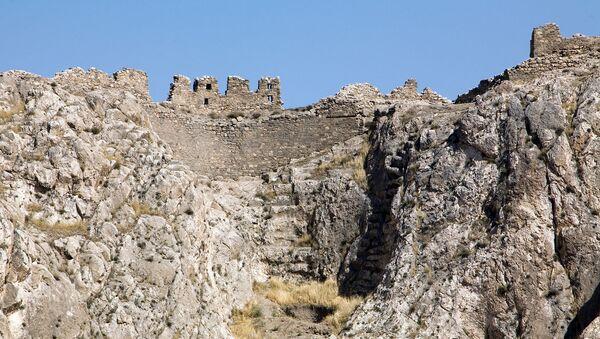Южные ворота Ванской скалы - Sputnik Արմենիա