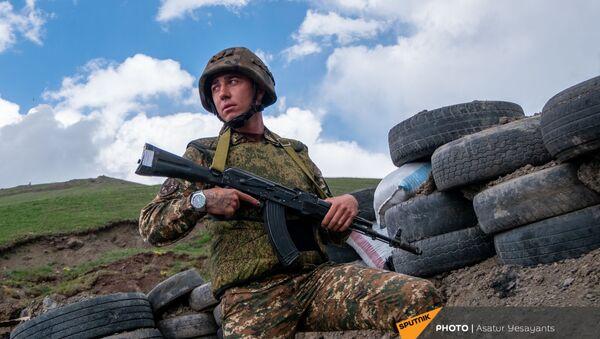 Старший по позиции, сержант Варужан Туманян - Sputnik Արմենիա