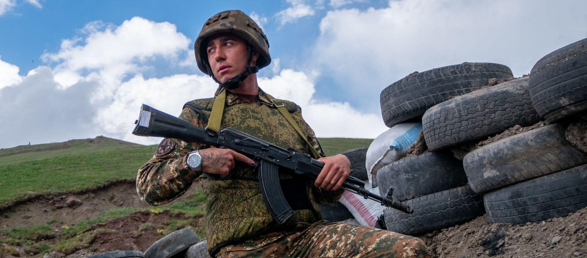 Старший по позиции, сержант Варужан Туманян - Sputnik Արմենիա, 1920, 12.06.2021
