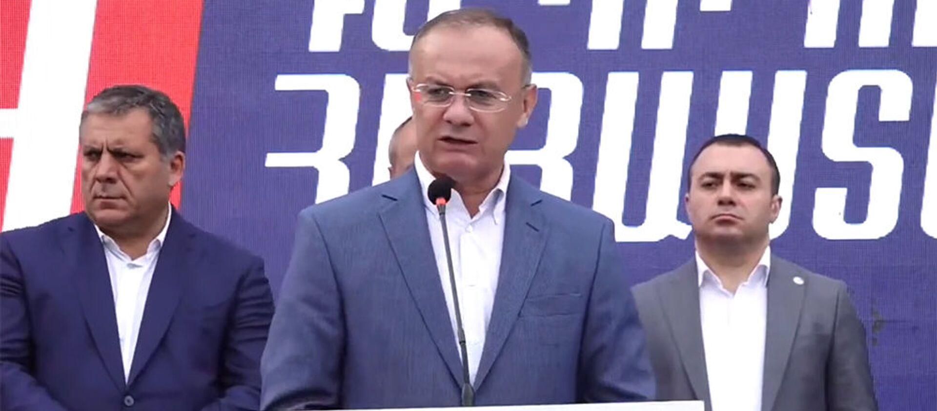 Сейран Оганян во время предвыборной агитационной кампании блока Айастан (13 июня 2021). Еревaн - Sputnik Արմենիա, 1920, 13.06.2021