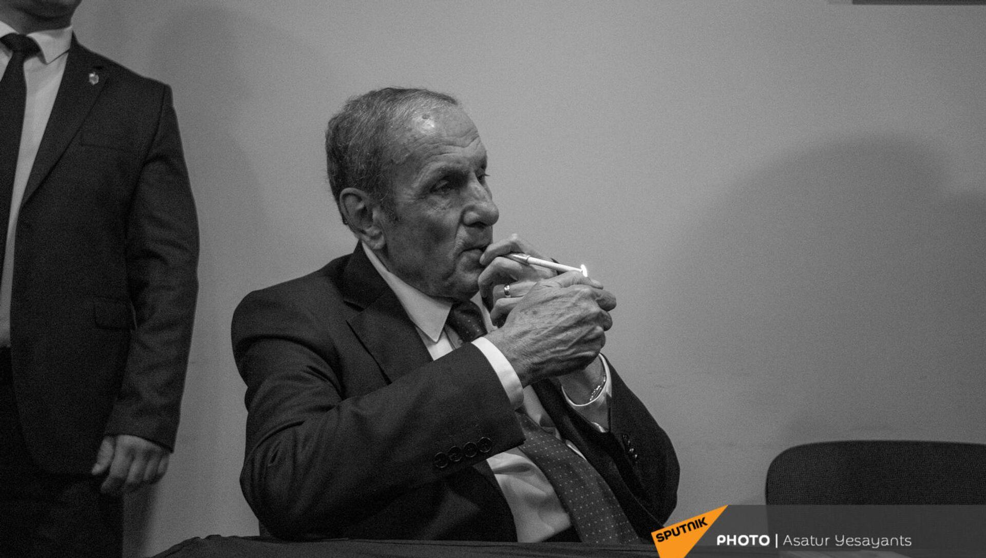 Пресс-конференция лидера Армянского национального Конгресса Левона Тер-Петросяна (10 июня 2021). Еревaн - Sputnik Արմենիա, 1920, 15.06.2021