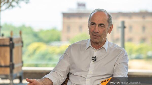 Роберт Кочарян во время интервью (14 июня 2021). Еревaн - Sputnik Армения