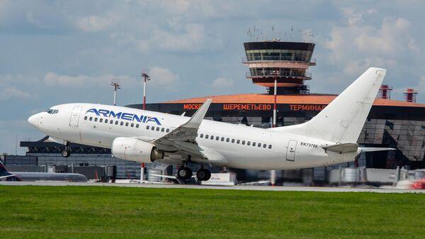 Самолет авиакомпании Armenia в московском аэропорту Шереметьево - Sputnik Армения