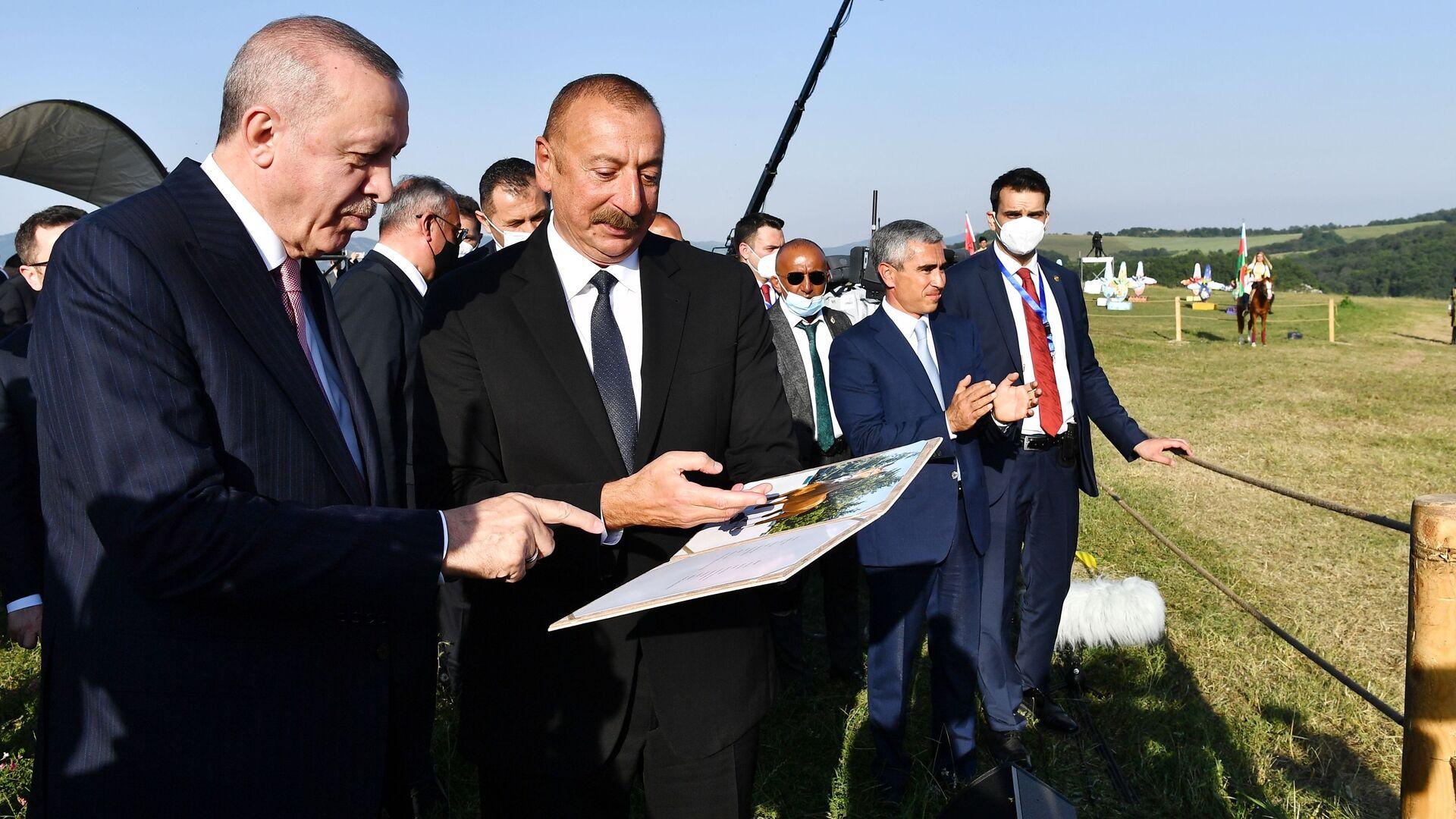 Ильхам Алиев и Реджеп Эрдоган в Шуши - Sputnik Արմենիա, 1920, 31.07.2021