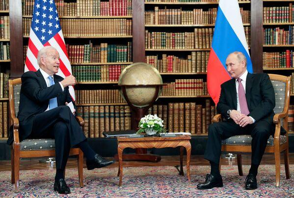 Ջո Բայդենն ու Վլադիմիր Պուտինը - Sputnik Արմենիա