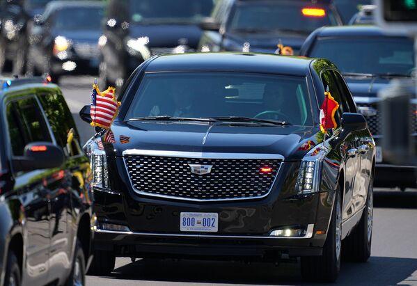 ԱՄՆ նախագահի ավտոմեքենան մոտենում է դղյակին - Sputnik Արմենիա