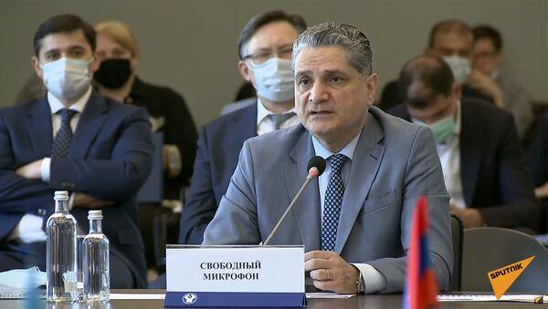 Заместитель председателя Правления Евразийского банка развития Тигран Саркисян на 90-м заседании Экономического совета СНГ (18 июня 2021). Москва - Sputnik Армения