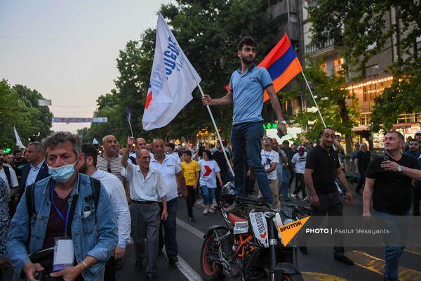 «Հայաստան» դաշինքի երթը Երևանում - Sputnik Արմենիա