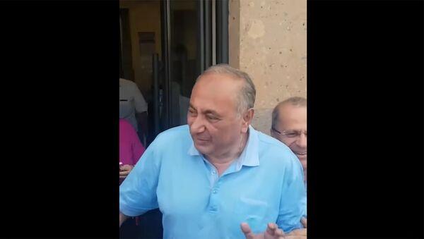 Պրոֆեսոր Արմեն Չարչյանն ազատ արձակվեց - Sputnik Армения