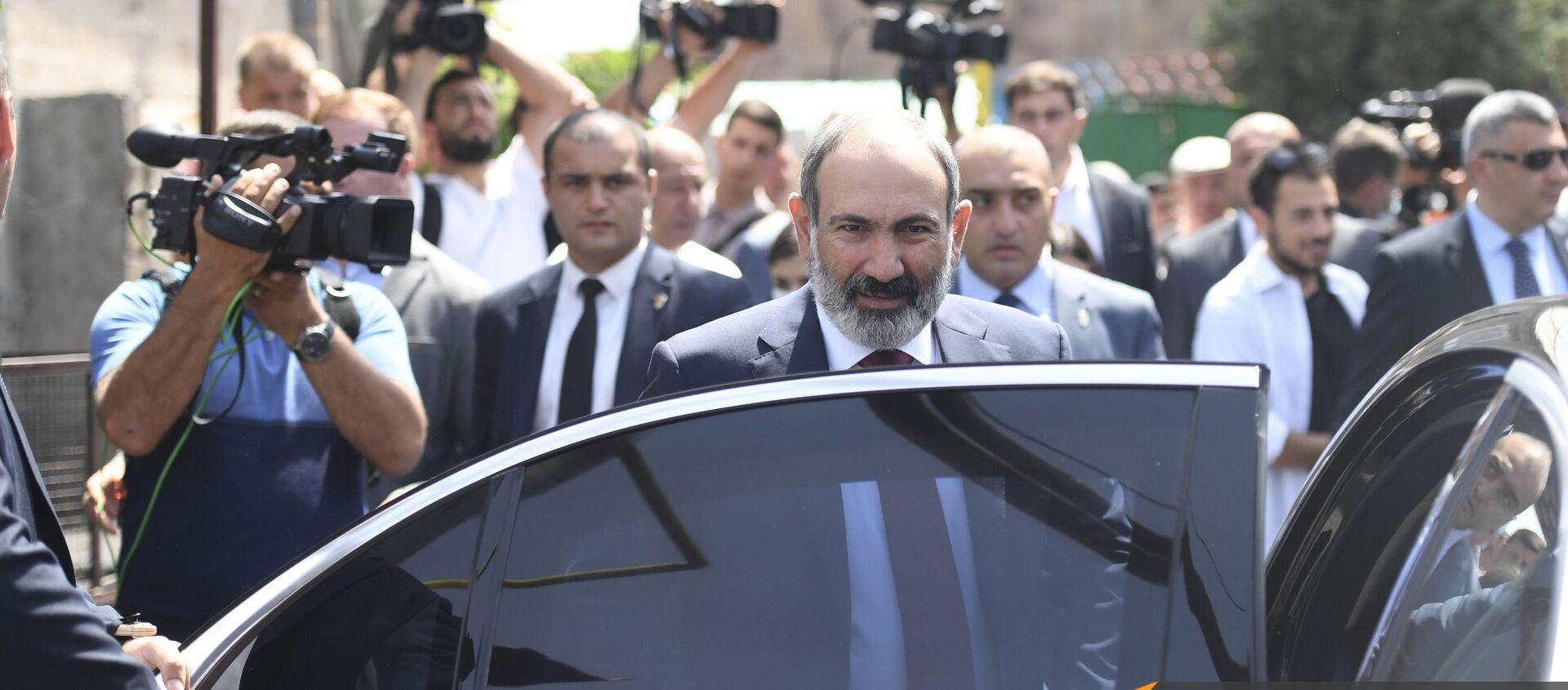 И.о. премьер-министра Никол Пашинян во время внеочередных парламентских выборов в Армении (20 июня 2021). Еревaн - Sputnik Արմենիա, 1920, 30.06.2021